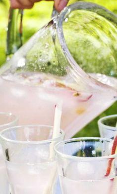 Täydellinen kesäjuoma: Raparperi-louhisaari-juoma! Katso ohje! | Meillä kotona