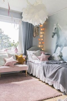 Our White Horses wallpaper looks amazing! Image by Patricia Vide Carlsson kidswallpaper horse whitehorse wallpaper wallmural kidsroom interior tapet behang häst barnrum photowallsweden kidswallpaper bedroom 710724384923027362 Horse Themed Bedrooms, Bedroom Themes, Horse Bedrooms, Horse Bedroom Decor, Girls Horse Rooms, Pink Bedrooms, Bedroom Furniture, Bedroom Ideas, Pretty Bedroom