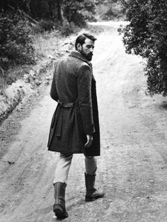 So handsome, gentleman's attire for walks in the wilderness and hunting game.