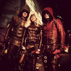 Green Arrow (Stephen Amell), Black Canary II (Katie Cassidy) and Arsenal (Colton Haynes). The Arrow, Arrow Cw, Arrow Oliver, Supergirl Dc, Supergirl And Flash, Arrow Flash, Series Dc, Arrow Tv Series, Dinah Laurel Lance