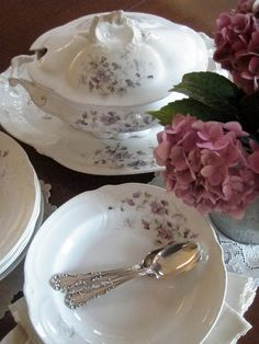 . . . Cabin & Cottage: The Year In Tablescapes