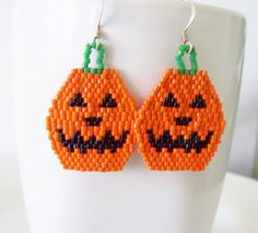Pumpkin Beadwork Earrings, Halloween Beaded Earrings, hoilday Earrings, Dangle Pumpkin Earrings, Halloween jewelry