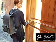 """Zaino artigianale unisex in cuoio lavorato e cucito a mano """"Metropolis"""". Vai al link per tutte le info: http://glistolti.shopmania.biz/compra/zaino-in-cuoio-metropolis-7 Gli Stolti Original Design. Handmade in Italy. #glistolti #moda #artigianato #madeinitaly #design #stile #roma #rome #shopping #fashion #handmade #style #leather #cuoio #streetstyle"""