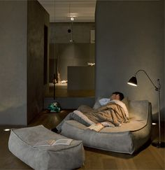 Zoe Chaise Lounge, Modern Living Room Design at Cassoni - Houses interior designs Living Room Modern, Home And Living, Living Room Designs, Living Room Decor, Bedroom Decor, Living Room Into Bedroom, Bedroom Designs, Small Living, Masculine Living Rooms