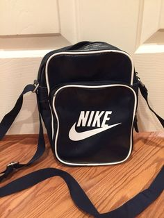 Nike Heritage Small Shoulder Bag Messenger Flight black Handbag leather NEW   fashion  clothing   b7b77e4cb4bc2