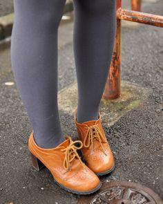 吉澤優華さん | 靴 プレゼント Alice In Wonderland Series, Oxford Shoes, Tights, Legs, Grey, Womens Fashion, Anatomy, Navy Tights, Gray