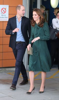 Catherine, Duchess of Cambridge in LK Bennett with LK Bennett clutch & Gianvito Rossi pumps Duchess Kate, Duke And Duchess, Duchess Of Cambridge, King William, William Kate, Kate Middleton Coat, Royal Throne, Queen Kate, Stunningly Beautiful