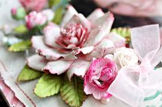 Absolutely Gorgeous Rose Tutorial - this website has some amazing scrapbooking layouts...