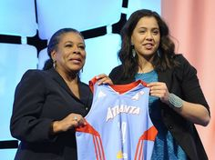 #UICAZ Focus on #DreamsNotDrinking: Schimmel Is the Highest Native American Drafted in W.N.B.A. History http://indiancountrytodaymedianetwork.com/2014/04/15/schimmel-highest-drafted-native-player-wnbas-history-154466