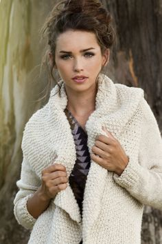 Manos del Uruguay - Winter 2012 Collection - Redondo Cardigan - Manos del Uruguay is a non-profit social organization which, since 1968, has provided jobs for craftswomen living in Uruguay rural areas.