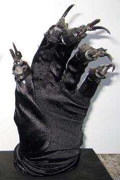 Catwoman's glove (left hand) made by Scott Schneider & used in Batman Returns (1992) #cats