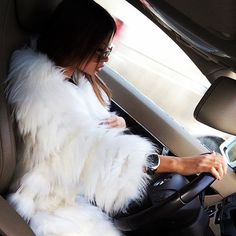 girl driving ♥ - car drive road trip roadtrip fashion fur Fur   cars Добавь, e2ab5c6b4b8