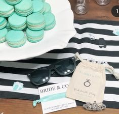 BREAKFAST at TIFFANY theme Bridal or Bachelorette Party Bags - Personalized Favor Bags - Set of 10 - Bachelorette Party - Wedding Shower Tiffany Theme, Tiffany Party, Gender Reveal Party Decorations, Baby Shower Decorations, Bridal Shower Favors, Baby Shower Invitations, Reveal Parties, Party Bags, Favor Bags