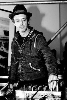 Gustavo Cerati. Soda Stereo, Beautiful Boys, Punk, Singers, Style, Musica, Teachers, Men, Pictures