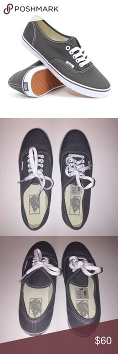 3b1d176f41 NWOT Women s Authentic lo pro vans
