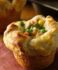 Mini Chicken Pot Pies recipe - Chicken pot pie with just 4 ingredients? It couldn't get any easier!  #Recipe #PotPie #Dinner