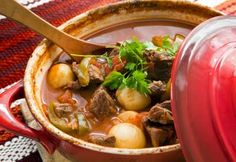 Welcome to my Dutch Oven Hungarian Beef Goulash Recipe. Bring some warmth into your kitchen with this delicious Hungarian Beef Goulash Recipe. Crock Pot Recipes, Vegetarian Crockpot Recipes, Crock Pot Cooking, Slow Cooker Recipes, Healthy Recipes, Oven Recipes, Crockpot Meals, Healthy Meals, Pork Stew