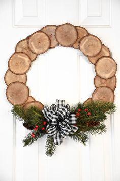 Christmas Crafts For Adults, Christmas Wood Crafts, Rustic Christmas, Christmas Wreaths, Christmas Decorations, Holiday Decor, Diy Christmas, Outdoor Christmas, Handmade Decorations