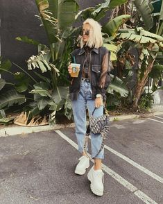 Camille Callen, Blonde Bobs, Hair Inspo, Streetwear, Hair Beauty, Glamour, Street Style, Style Inspiration, Comme