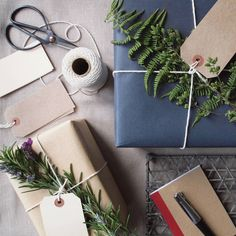 A simple and traditional wrapping collection including paper, string and tags.Perfect for those who always like their gifts to look beautiful.