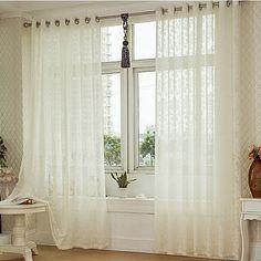 Você está com dificuldades para escolher a cortina com blackout e voil para decorar a sua casa? Veja neste artigo como escolher cortina ideal. Confira.