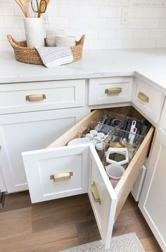 Storage & Organization Ideas From Our New Kitchen! A super smart solution for using the corner space in a kitchen - kitchen corner drawers!A super smart solution for using the corner space in a kitchen - kitchen corner drawers!