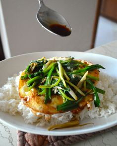 Eggs Over Easy with Scallion Soy Sauce - #easy, emergency meal that's cheap, #FAST, and really #delicious