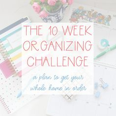 Get inspired to get your own linen closet organized with these 20 beautifully organized linen closets as part of my ten week organizing challenge. Home Organisation, Household Organization, Room Organization, Ikea Pax, White Christmas, Christmas Crafts, Christmas 2019, Budget, Christmas Fashion