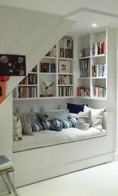 40 Trendy Home Library Ideas Bookcases Bookshelves Stair Shelves, Staircase Storage, Stair Storage, Bedroom Storage, Playroom Storage, Attic Playroom, Desk Shelves, Staircase Design, Under Stairs Nook