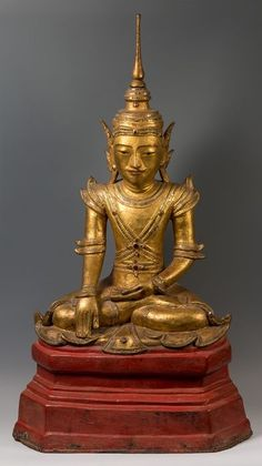 Buddha statue, Burma, 18th-19th centuries. Dry and polychrome lacquer inlaid with crystals. Dimensions 61 x 41 x 22 cm. Buddha Statues, Mandalay, Burmese, Asian Art, Oriental, 18th, Crystals, Crystal, European Burmese