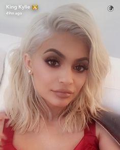 Kylie Jenner Blonde hair / Pinterest @shopcdahl  #blondekylie #kyliejennerblonde…