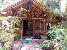 rumah bambu modern