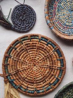 Raffia - Hand Dyed Natural dye - for basket weaving — Petalplum Fall Crafts, Diy And Crafts, Shed Antlers, Pine Needle Baskets, Creative Textiles, Jute, Natural Kitchen, Flower Crafts, Basket Weaving