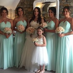 Nia & bridesmaids