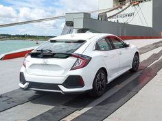 Third Shoe Drops: Boatload of 2017 Honda Civic Hatchbacks Spied - The Truth About Cars Civic Hatchback 2017, Geneva Motor Show, Fast Cars, Spy, Vintage Cars, Classic Cars, Racing, Hatchbacks, Vehicles