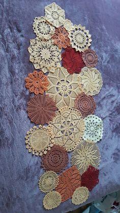 Crochet Table Runner, Crochet Tablecloth, Crochet Doilies, Crochet Stitches, Crochet Patterns, Crochet Projects, Sewing Projects, Doily Art, Doilies Crafts