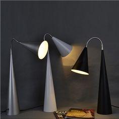 Moderne Stehlampe Konus Design