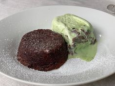 This decadent rich lava cake recipe is the best fool proof version there is. I had attempted this dessert plenty of times and this one is best. Read up on the tips and tricks that make this recipe succesful. Chocolate Squares, Chocolate Lava Cake, Chocolate Fondant, Chocolate Muffins, Chocolate Desserts, Peppermint Crisp, Melting Ice Cream, Lava Cake Recipes, Impressive Desserts