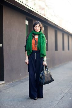 love the entire look, esp. green scarf!