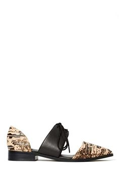 Shoe Cult On the Hunt Flat | Shop What's New at Nasty Gal