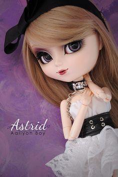 ASTRID (New wig) by Aaliyoh Boy, via Flickr