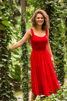 RZYMSKIE WAKACJE happy red Sophia Loren, Formal Dresses, Red, Clothes, Fashion, Tunics, Moda, Clothing, Formal Gowns