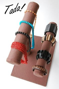 DIY Make your own Jewelry holder out of paper towel tubes and felt.