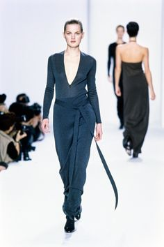Calvin Klein Collection Fall 1996 Ready-to-Wear Fashion Show - Guinevere Van Seenus