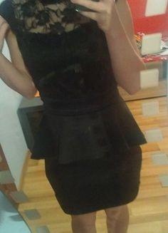 Kup mój przedmiot na #vintedpl http://www.vinted.pl/damska-odziez/krotkie-sukienki/11690572-czarna-sukienka-koronka-rozmiar-m