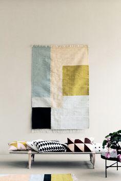 Un tapis sur un mur