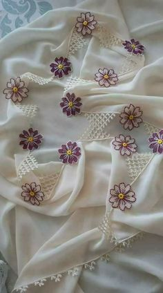 This Pin was discovered by Gül Diy Crochet, Crochet Top, Crochet Hats, Embroidery On Clothes, Embroidery Patterns, Baby Knitting Patterns, Needle Lace, Cutwork, Lace Flowers