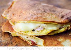 Crepes senza farina salate con prosciutto e formaggio, ricetta sfiziosa, pranzo da asporto, facile, veloce, idea pausa pranzo, snack veloce, senza glutine e lattosio