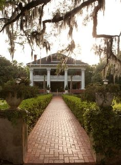 A Southern Plantation House... Perfection!!!
