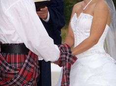Google Image Result for http://www.perfectweddingzone.com/wp-content/uploads/2009/05/scottish-wedding.jpg